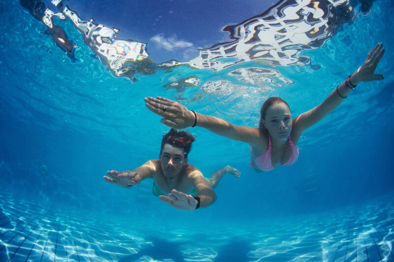 contact lens care prevent acanthamoeba from summer swimming